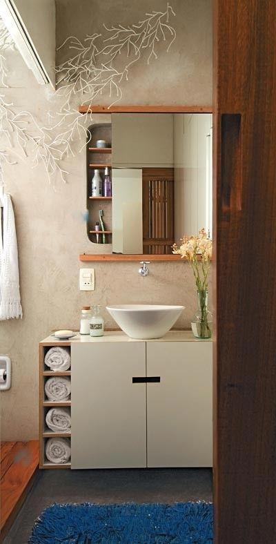 Modelo de armário sob a pia O nichos também podem ser na parte de baixo.