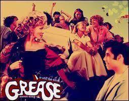 Como organizar uma festa Grease. O filme Grease marcou uma época no mundo do cinema e na vida real. Ambientado nos anos 50, ainda hoje continuam sendo comemoradas festas temáticas nas quais os convidados se vestem como no filme e a d...