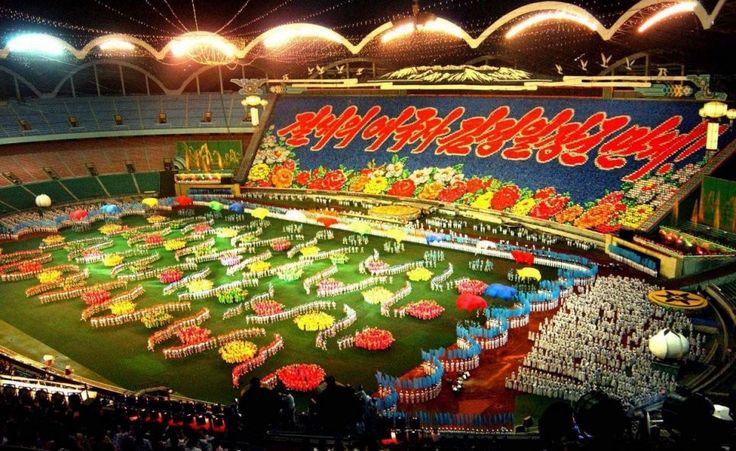 Top 10  Die größtes fußball Stadion in der Welt http://kunstop.de/top-10-die-groesstes-fussball-stadion-in-der-welt/ #Top #größtes #fußball #Stadion #Welt