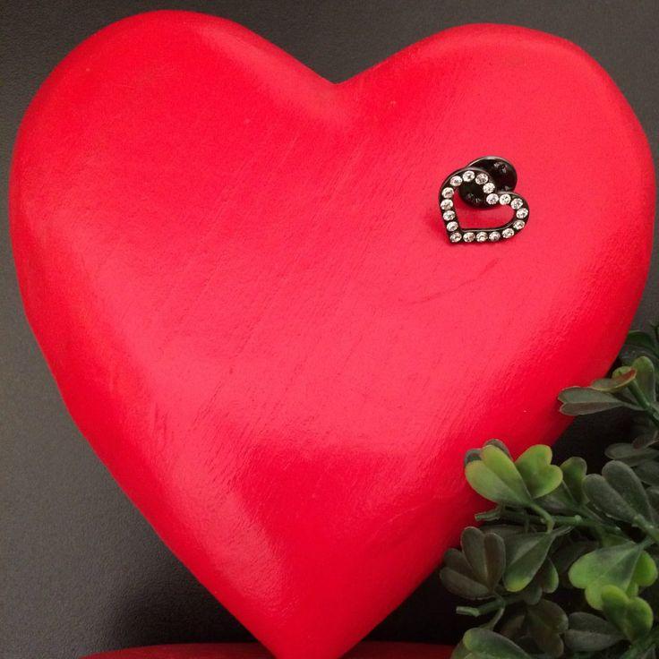 clutchpin hart met strass - sale - antiek zilverkleurig metaal - 2 cm breed - 1,5 cm hoog - let your love shine - blingbling - strass- 4leafs4joy- party