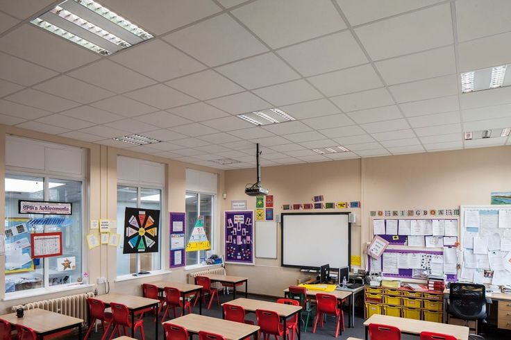 Twydall School, Kent, Armstrong, sufity podwieszane, sufit akustyczny, acoustic, ceiling