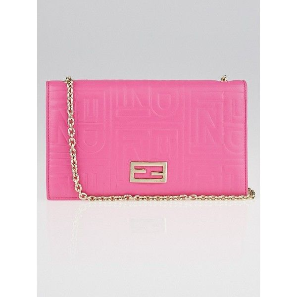 Pre-owned Fendi Pink Embossed Leather Chain Clutch Bag 8M0219 ($345) ❤ liked on Polyvore featuring bags, handbags, clutches, pink clutches, fendi crossbody, chain strap crossbody, crossbody purses and leather purses