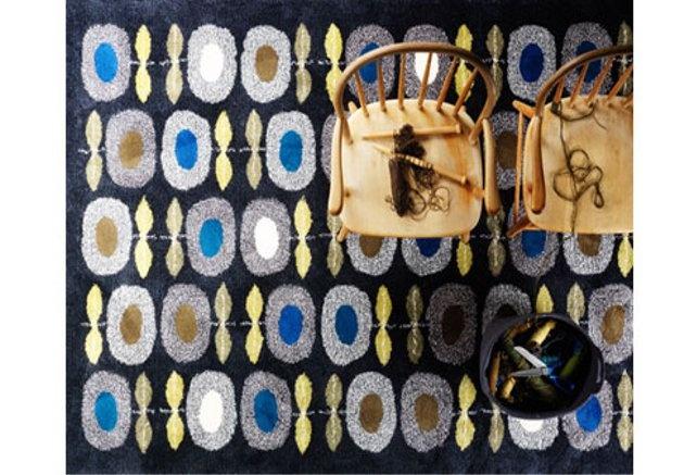 Daisy, Hand tufted rug by Gunilla Lagerhem Ullberg - Kasthall