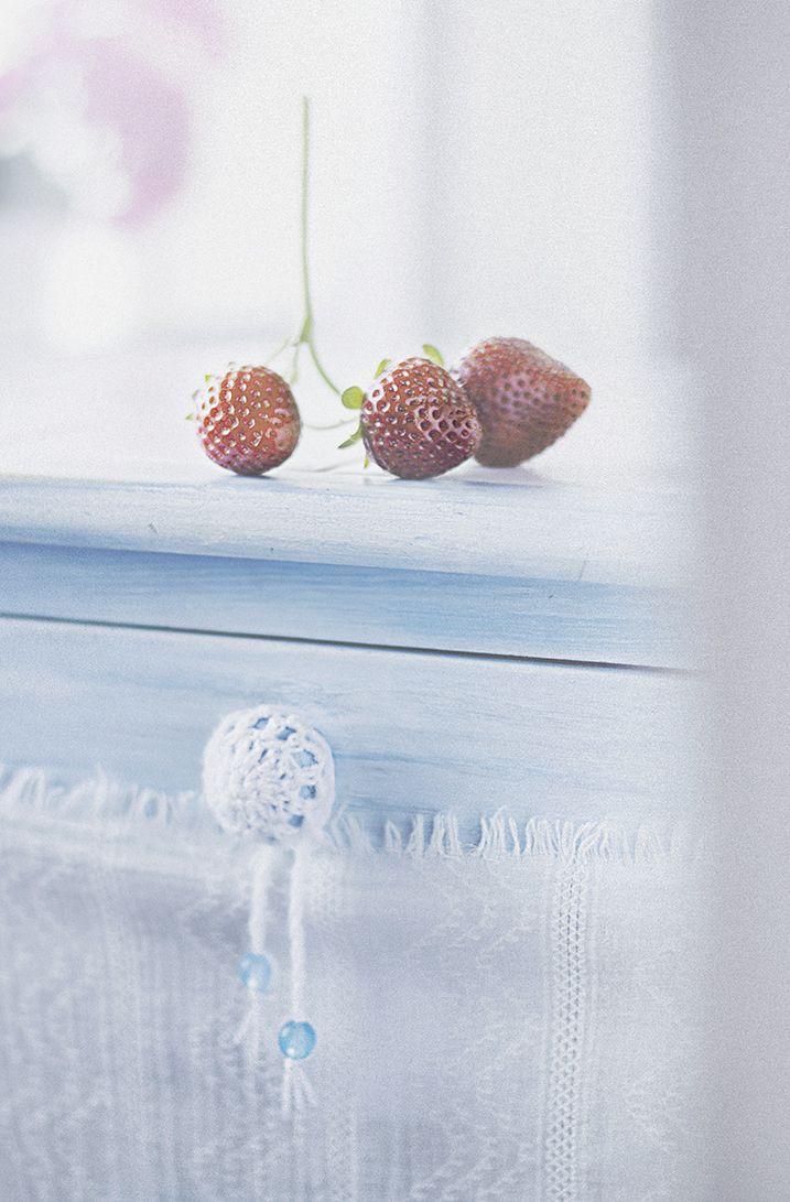 Un helado de yogur y fresas.  Мороженное из йогурта и клубники.