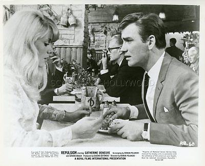 CATHERINE DENEUVE JOHN FRASER REPULSION 1965 VINTAGE PHOTO ORIGINAL #1