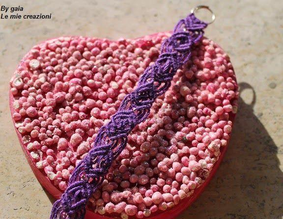 Le mie creazioni: Braccialetto viola macramè