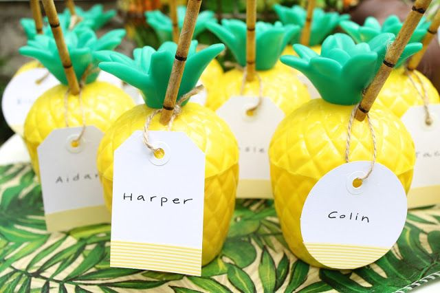 Pineapple party favor cups
