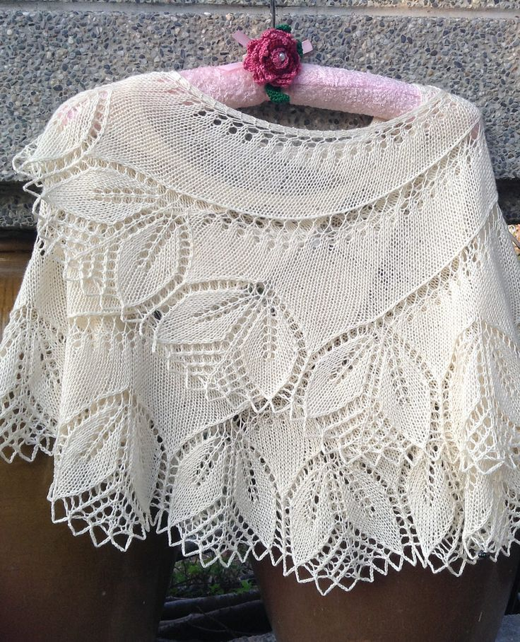 Knitting Patterns For Ponchos And Shawls : 1000+ ideas about Lace Knitting Patterns on Pinterest ...