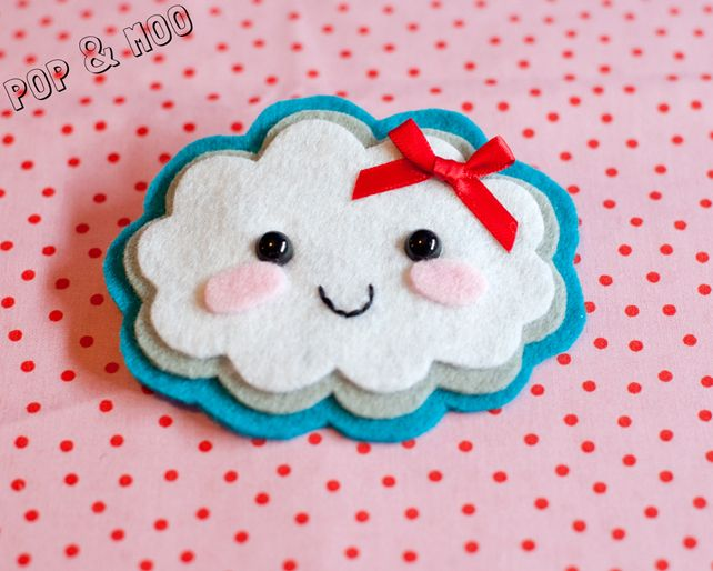 Cute kawaii brooch - Adorable felt fluffy cloud handmade pin - Kitsch accessory