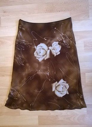 Letní květinková sukně vel. S-M.  Kupuj mé předměty na #vinted http://www.vinted.cz/damske-obleceni/minisukne/15224127-letni-kvetinkova-sukne-vel-s-m