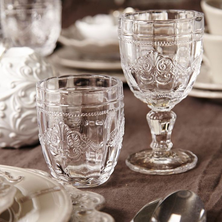 verre à pied verre à vin verre à eau verres verre de table gobelet en verre verres contemporains verres design