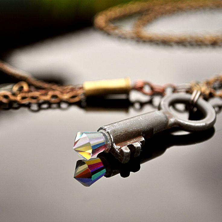 Steampunk pendant - Rust Miner #key #neckace #chave  #colar