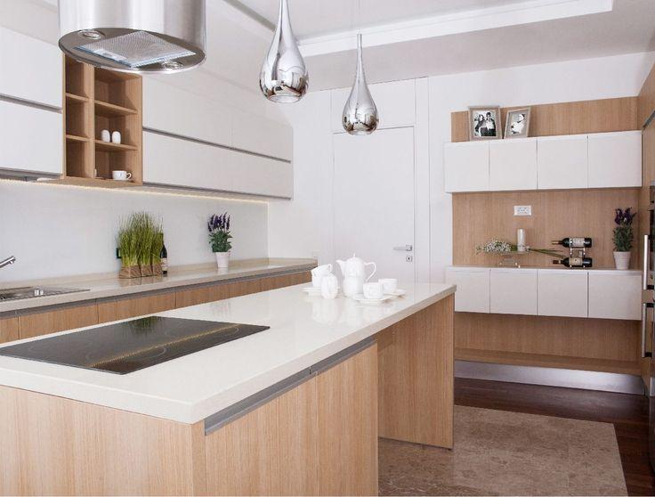 Un element deosebit, întâlnit destul de rar în cadrul amenajărilor de această anvergură, este blatul de cuarț din bucătăriile celor 10 apartamente.