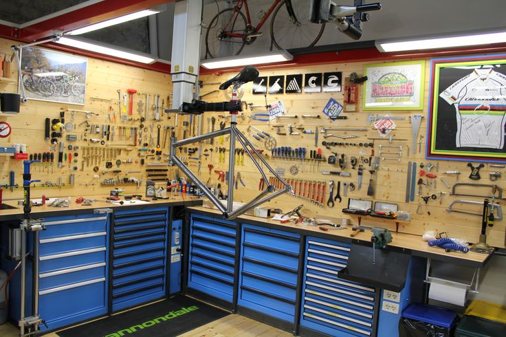 Bucket list: bike workshop at the back of coffee shop.