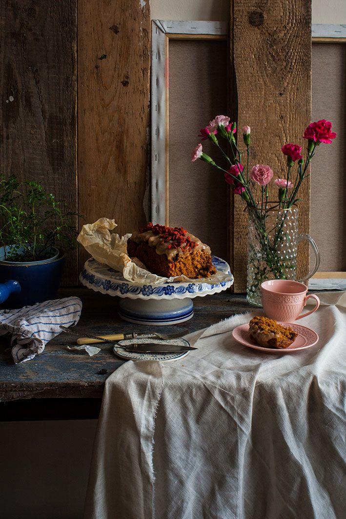 Wegan Nerd - Kuchnia roślinna : BEZGLUTENOWE CIASTO MARCHEWKOWE Z POLEWĄ BUDYNIOWĄ