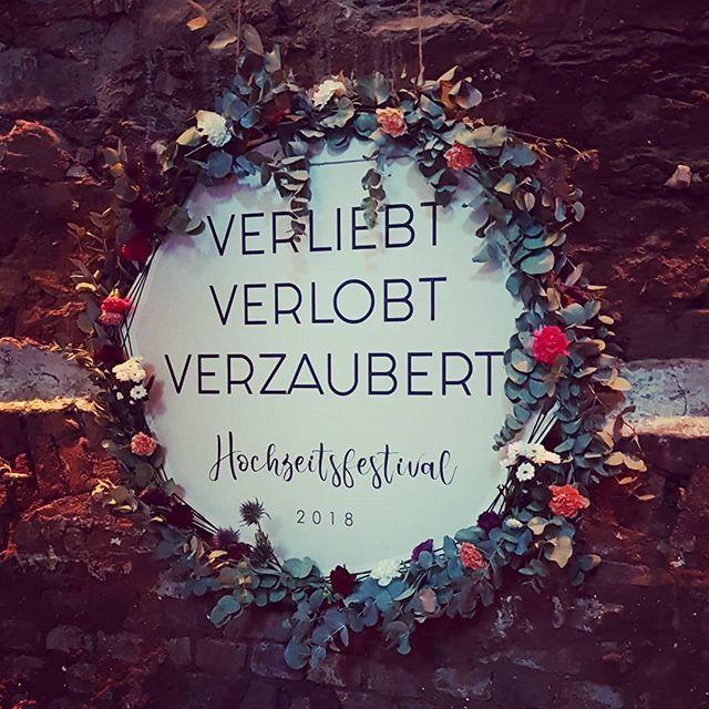 Es Geht Los Heute Findet Ihr Uns Bis 18 Uhr Auf Dem Das Hochzeitsfestival In Der Alten Schlossfabrik In Solingen B Christmas Wreaths Holiday Holiday Decor