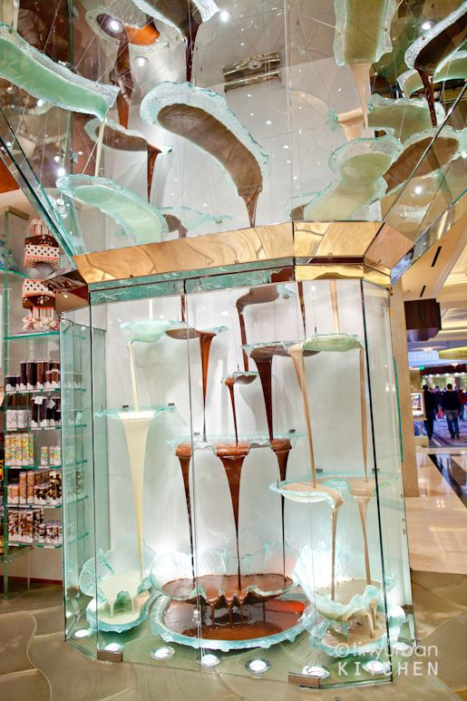 The world's largest chocolate fountain...at the Bellagio? How did I not know about this...I must go and see.