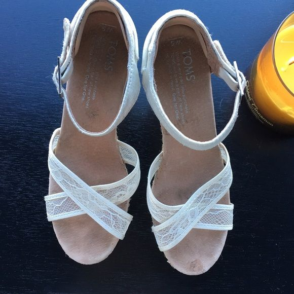 Toms White Lace Wedges Perfect for a wedding :) TOMS Shoes Wedges