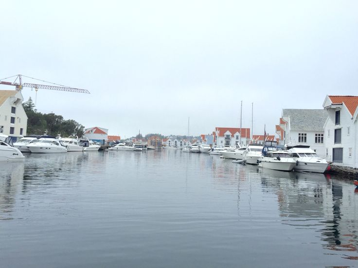 Nordsjøvegen Along the North Sea Route you will find this lovely historical small city, Skudeneshavn on Karmøy Foto: Maragareth Idsø