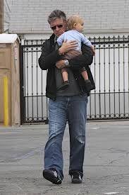 craig ferguson & son, Liam, born in 2011 with 3rd wife Megan.  He had no children with 1st wife Anne Hogarth (1983-86).