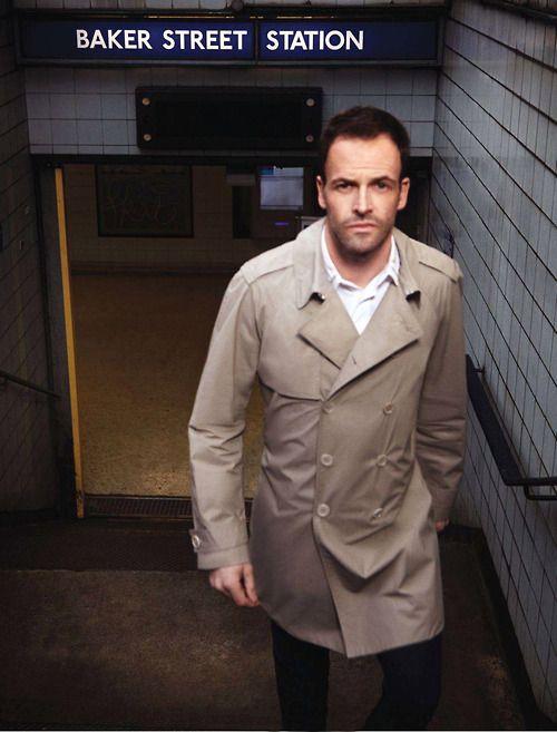 """Sherlock Holmes on Baker Street (Jonny Lee Miller in the """"Elementary"""" season 2 premiere, filmed in London, 2013)"""