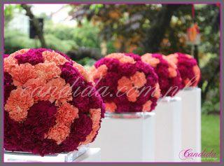 dekoracje kwiatowe ślubu w plenerze w Villa Park Julianna 11