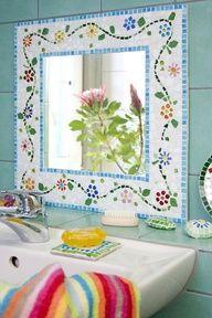 Moldura de espelho em mosaico. mosaic frame mirror floral
