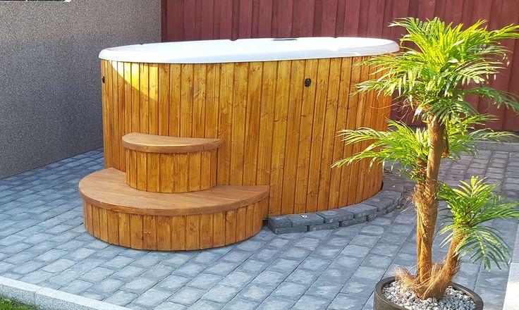 DC OutdoorLiving är ett företag som fokuserar på att sälja badtunnor och bastutunnor av bästa kvalité till det mest rimliga priserna utan att ge avkall på kvalitet, design och ergonomi.