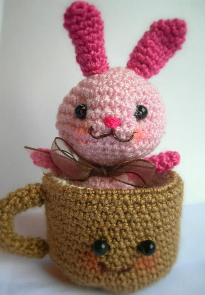 Esta encantandora parejita crochetera está disponible, sólo para ti.