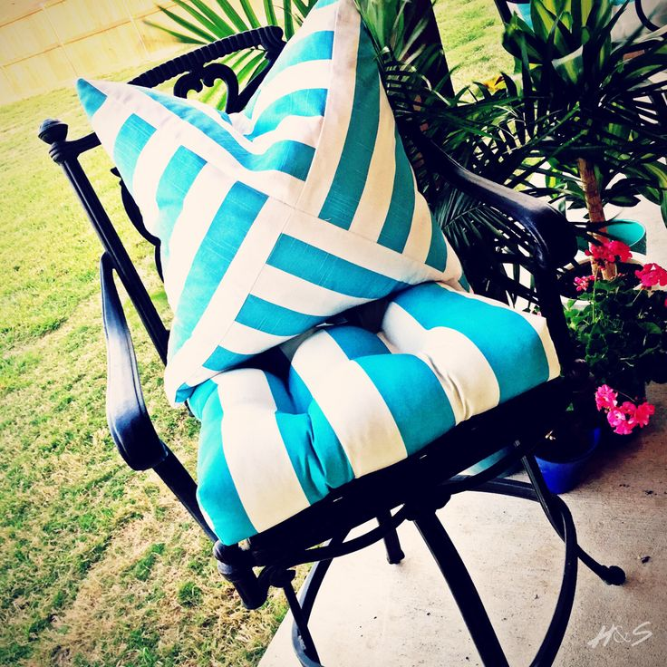 Backyard/ Patio Accents. Turquoise And White Striped Cushions U0026 Pillows.  Haute And Soul