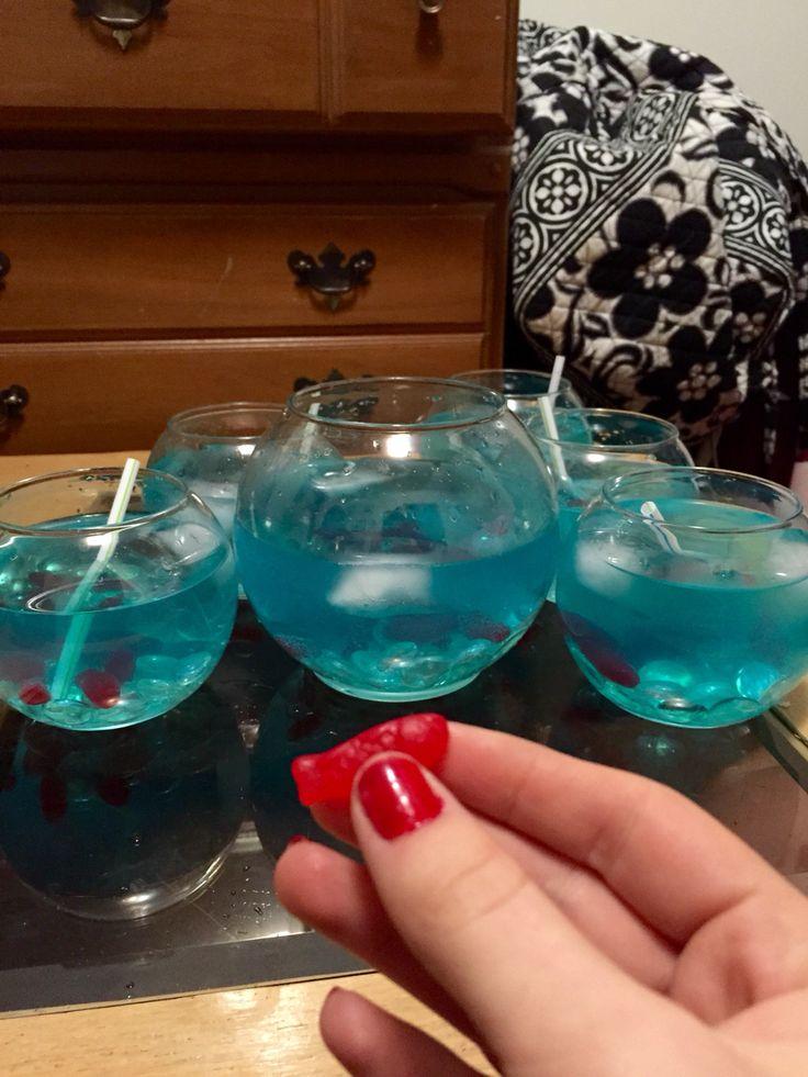 Diy fishbowl drink #fishbowl #drinks
