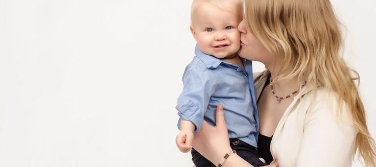 Collier de noisetier et autres astuces : Comment soulager bébé pendant sa poussée dentaire ?