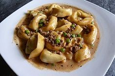 Tortellini - Hackfleisch - Pfanne, ein leckeres Rezept aus der Kategorie Pasta & Nudel. Bewertungen: 98. Durchschnitt: Ø 4,0.
