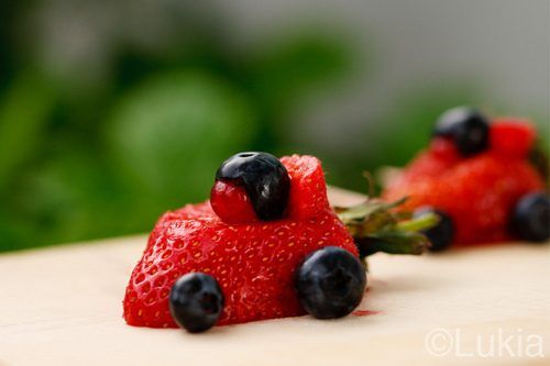 strawberry races: Crafts Ideas, Fun Food, Funfood, Racing Cars Birthday, Cars Parties, Birthday Parties, Cars Crafts, Strawberries, Parties Ideas