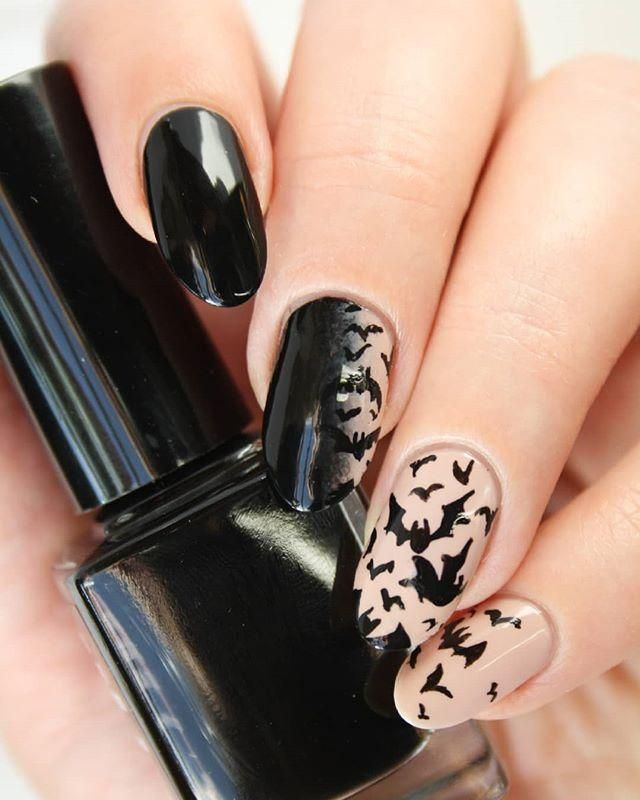 60+ Halloween Nail Art Ideas; Goth nails; Halloween 2018
