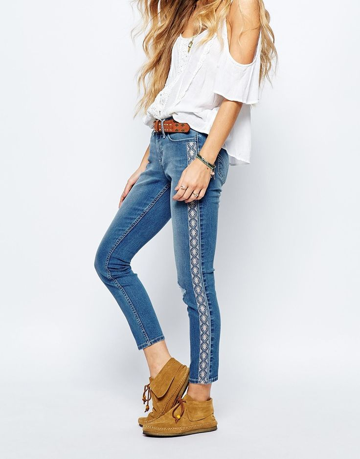 Hollister+Ankle+Grazer+Jeans+With+Side+Seam+Embroidery