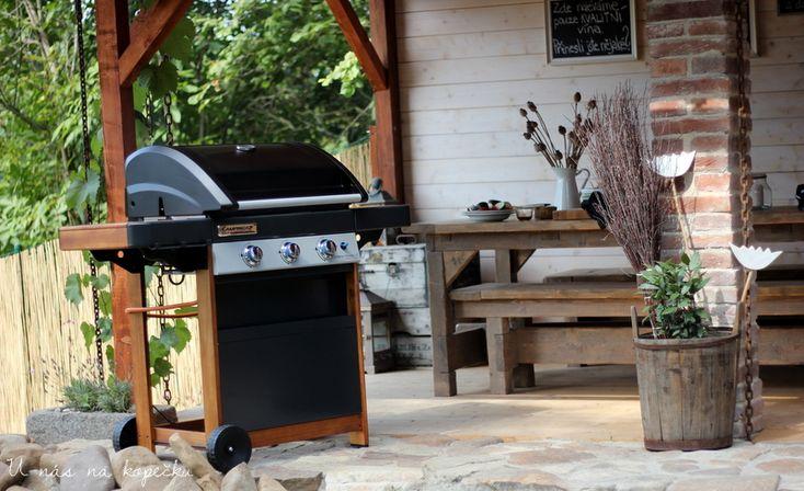 U nás na kopečku: venkovní kuchyně