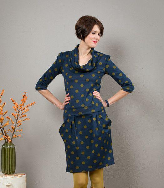 """Knielange Kleider - Sweatkleid """"Berlin Calling"""", dunkelblau gepunktet - ein Designerstück von Jekyll-und-Kleid bei DaWanda"""