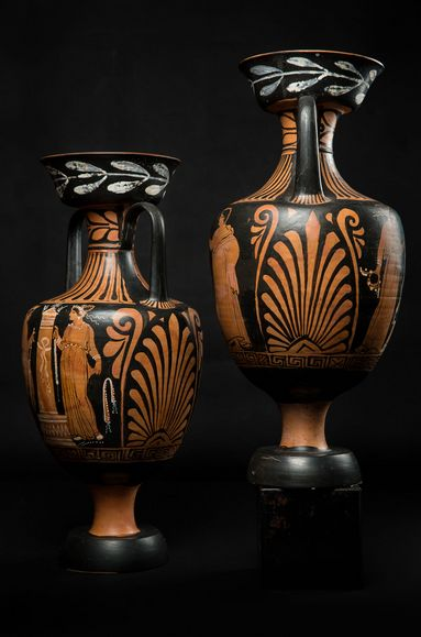 Pair of Amphoras with Red-Figure - Bologne Group - Magna Graecia (340 BC - 320 BC)