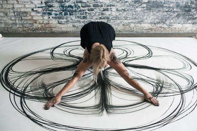 Heather Hansen създадете свои прекрасни танцови движения към рисунки с въглен   Eye See Chaos