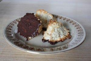 Kokosmakroner med mandler, ingefær og mørk chokolade