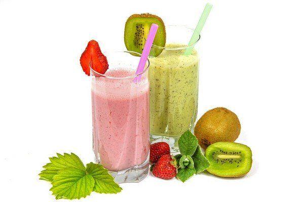 3 nyári gyümölcsös smoothie recept, amely feldobja a napodat