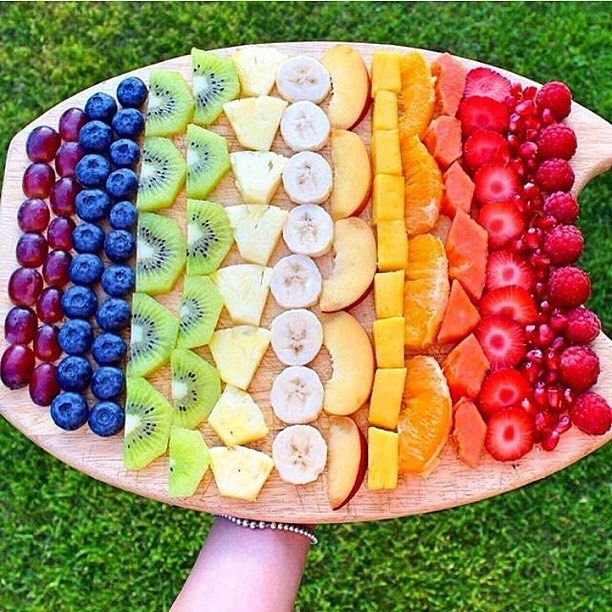 Fruit rainbow for Tutti Frutti party!! Would work great for Rainbow party too!