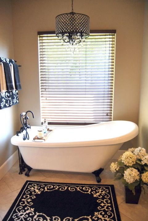17 Best Ideas About Clawfoot Tub Bathroom On Pinterest