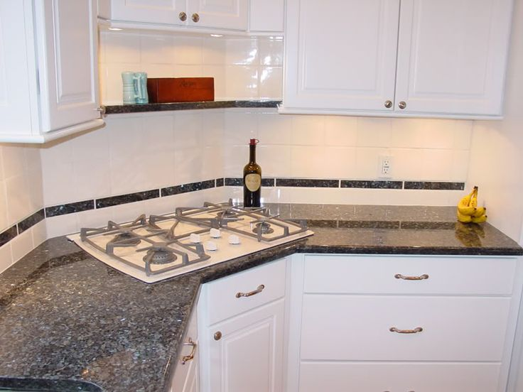 25 Best Ideas About Blue Pearl Granite On Pinterest Beige Cabinets Granite Backsplash And