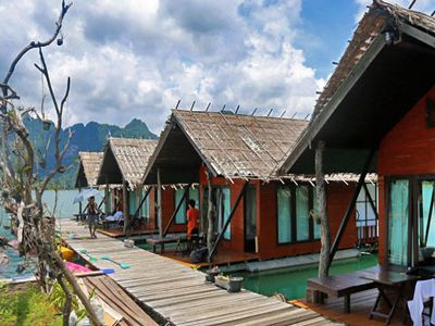 Khao Sok Lake Deluxe Floating Bungalows