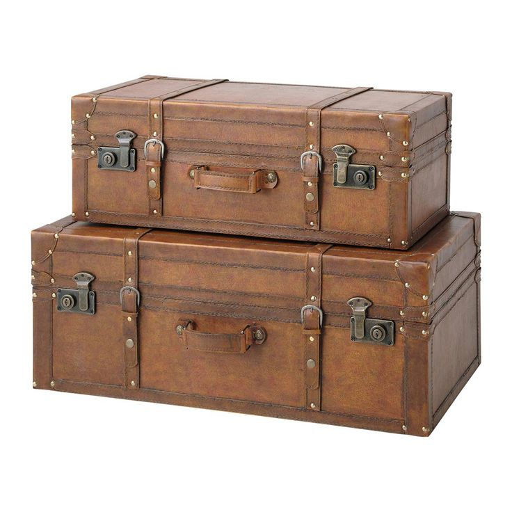 60 best baules antiguos images on pinterest antique chest old crates and suitcases - Baules antiguos ...