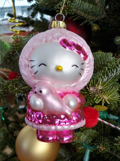 Hello Kitty Christmas Tree | my friend debbie got me these hello kitty christmas tree ornaments