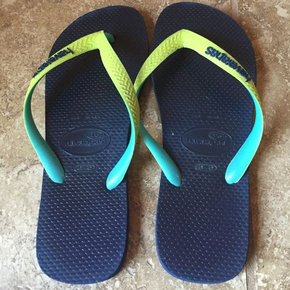 Havana flip flops The best flip flops for comfort. Thick and dense quality rubber make the difference. Show some signs of wear but not worn out. Navy blue, Aqua and green. Havaianas Shoes Sandals