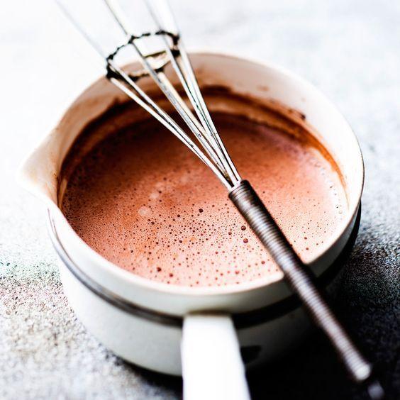 Découvrez la recette du chocolat chaud épais